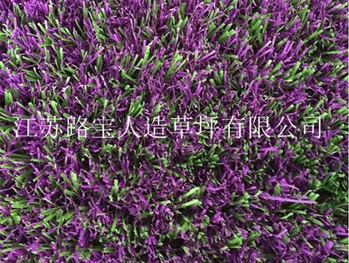 施工人造围挡草坪